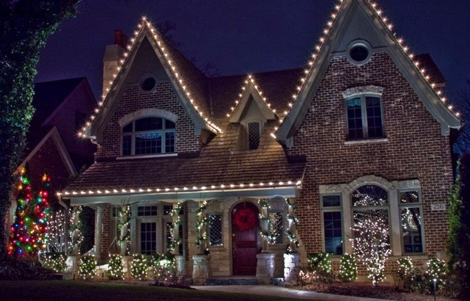 Holiday Lighting Installation Service